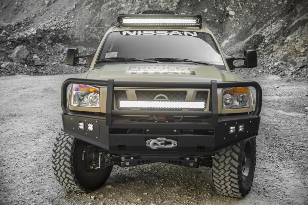 Армейский пикап Nissan Project Titan покоряет Аляску