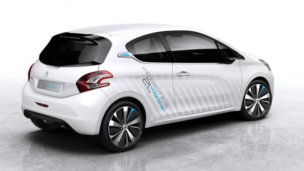 Peugeot 208 HYbrid Air 2 600x339 at 141 mpg Peugeot 208 HYbrid Air 2L Unveiled