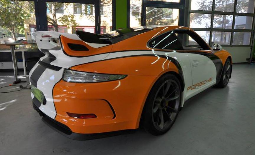 Porsche 991 Gt3 Gets A Racing Wrap From Print Tech