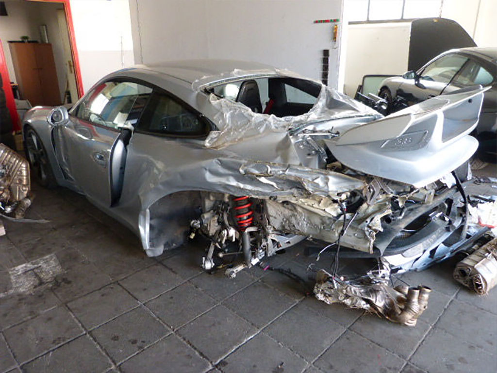 Wrecked Porsche 991 Gt3 On Sale For 49 900 Euros