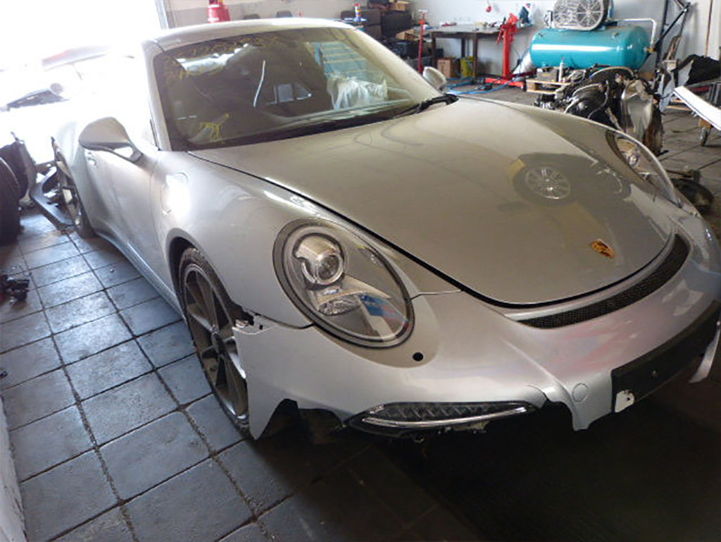 Фото разбитого Porsche 911 GT3