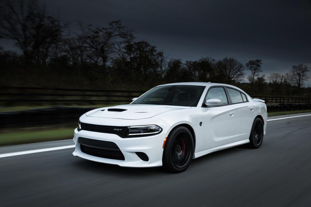 dodge charger hellcat returns in new gallery. Black Bedroom Furniture Sets. Home Design Ideas
