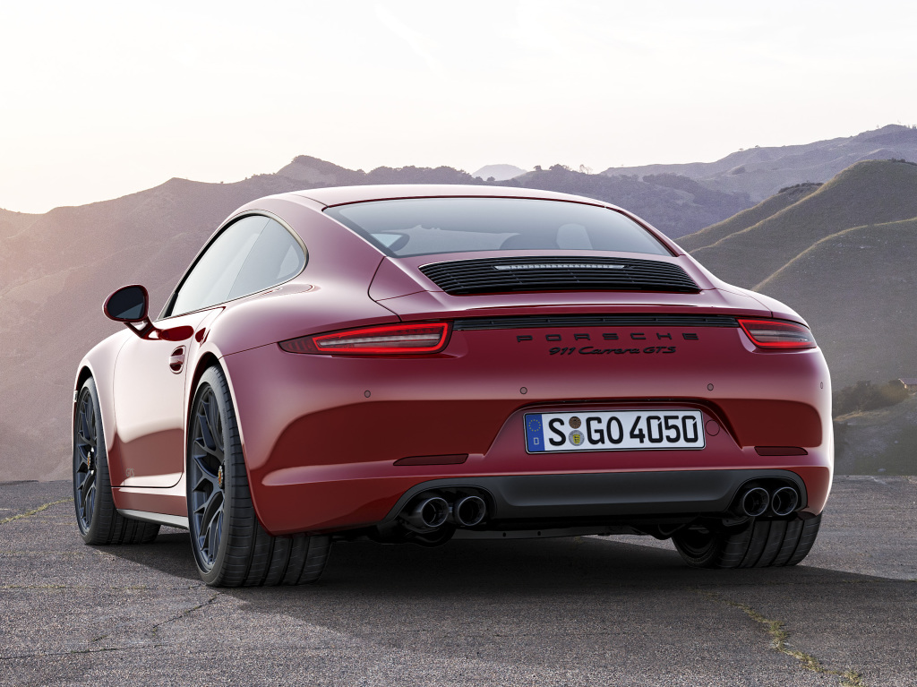 porsche 991 carrera gts revealed with 430 hp. Black Bedroom Furniture Sets. Home Design Ideas