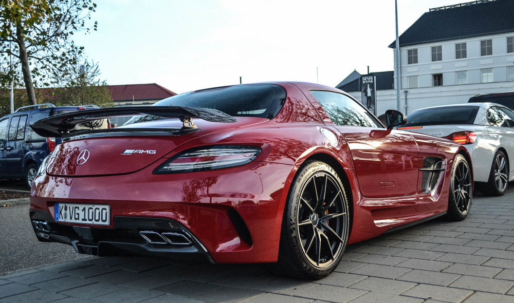 Juicy Red Mercedes SLS...