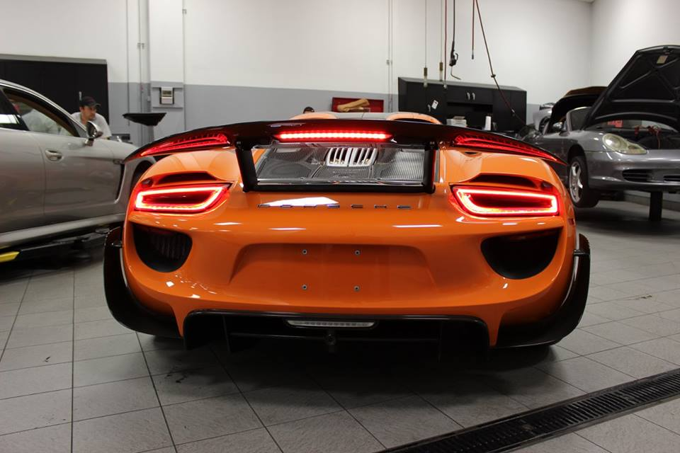 gallery orange porsche 918 spyder. Black Bedroom Furniture Sets. Home Design Ideas