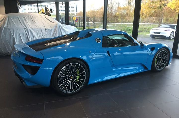 Baby Car Shade >> Baby Blue Porsche 918
