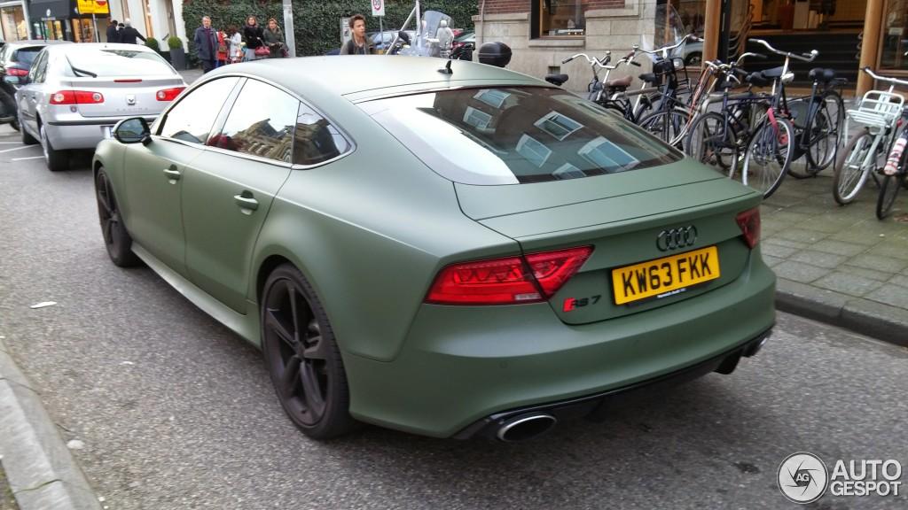 Spot: Matte Military Green Audi RS7