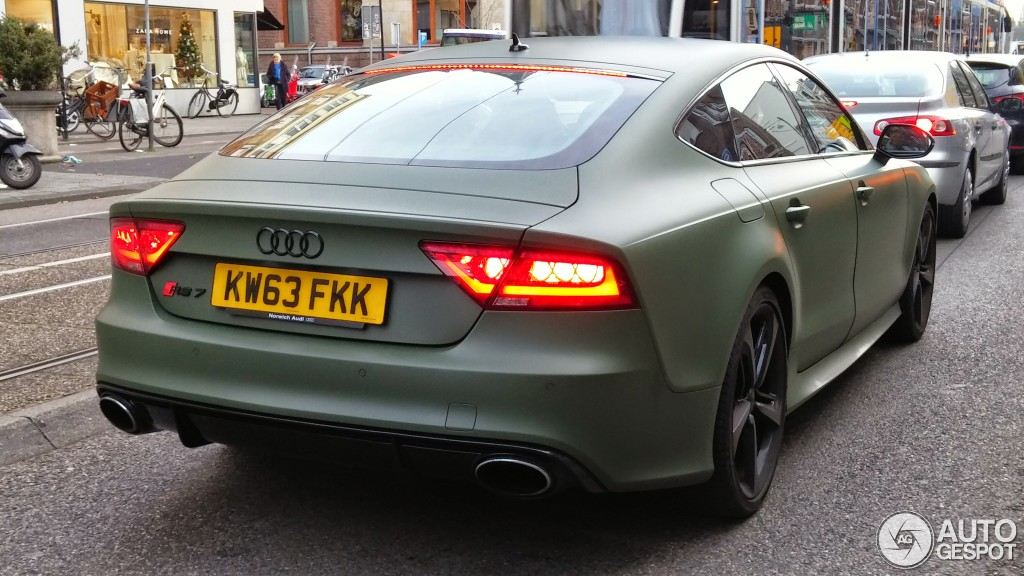 Spot Matte Military Green Audi Rs7