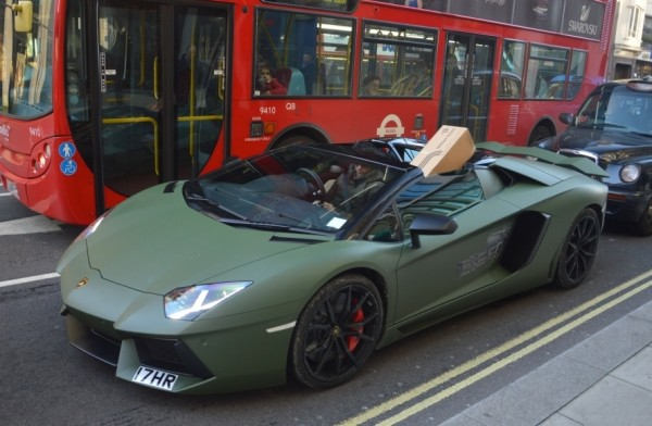 londoner uses matte green aventador as delivery car