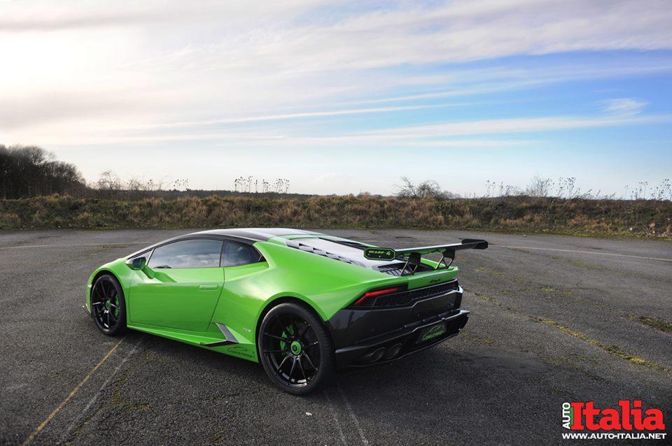 Зелёная Lamborghini Huracan. Тюнинг Oakley Design
