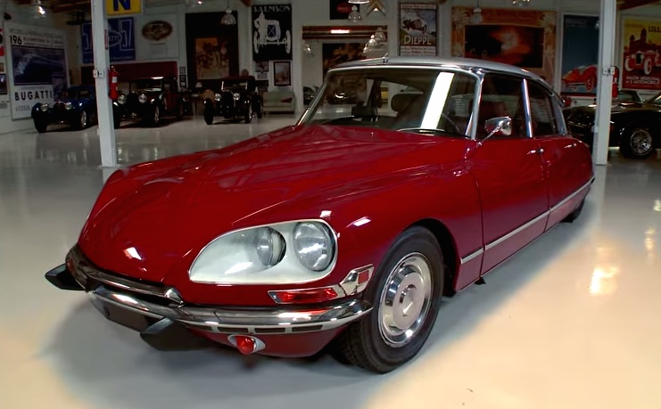 Jay leno s in depth review of 1971 citroen ds for Garage ds auto ouistreham