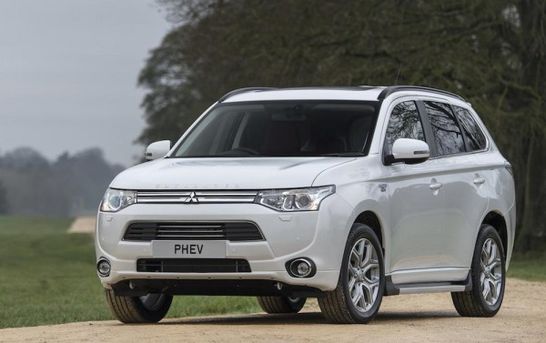 putlander hybrid 600x377 at High Spec Mitsubishi Outlander Hybrid Launches in UK