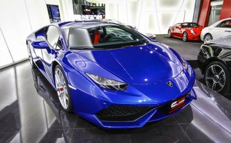 Spotlight Blu Caelum Lamborghini Huracan