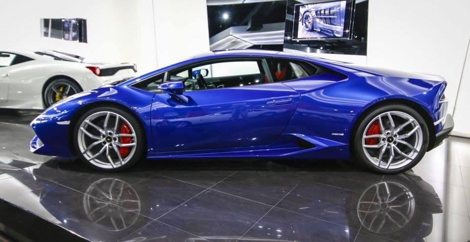 blue huracan image - Lamborghini Huracan Blue