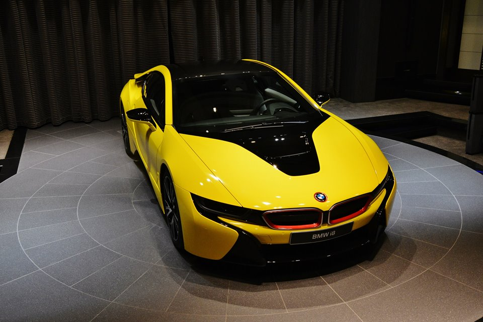 Yellow Bmw I8 Shows Up In Abu Dhabi