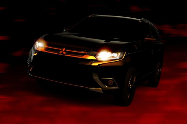 2016 Mitsubishi Outlander teaser 1 600x399 at 2016 Mitsubishi Outlander Teased for NYIAS Debut