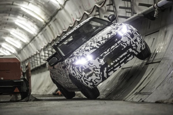Range Rover Evoque Convertible test 1 600x399 at Production Range Rover Evoque Convertible Teased