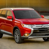 2016 Mitsubishi Outlander 3 175x175 at 2016 Mitsubishi Outlander Unveiled at NYIAS