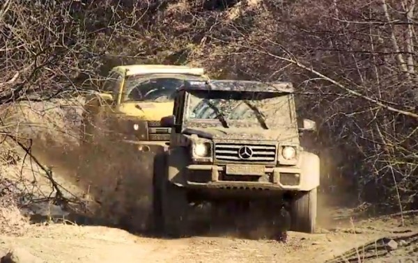 mercedes g500 velociraptor 600x378 at Mud Wrestling, Top Gear Style: Mercedes G500 4×4 vs Velociraptor