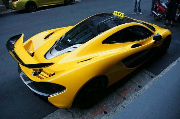McLaren P1 Taxi 1 600x398 at Check Out the Worlds First McLaren P1 Taxi!