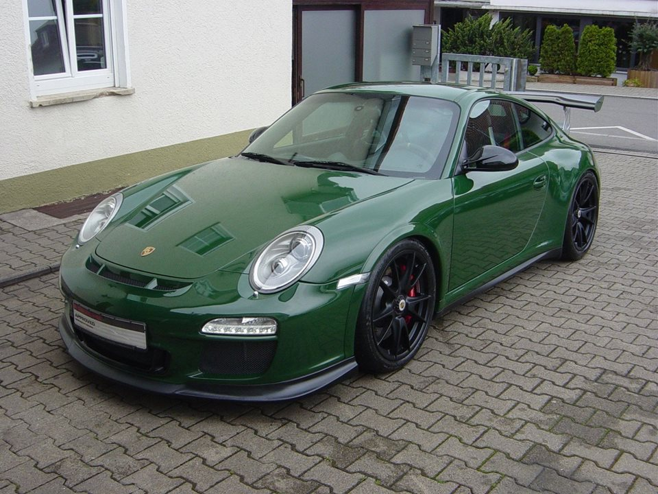 Spotlight British Racing Green Porsche 997 Gt3 Rs