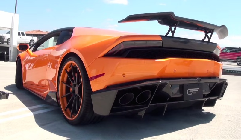 lambo huracan with ipe exhaust sounds like the devil. Black Bedroom Furniture Sets. Home Design Ideas