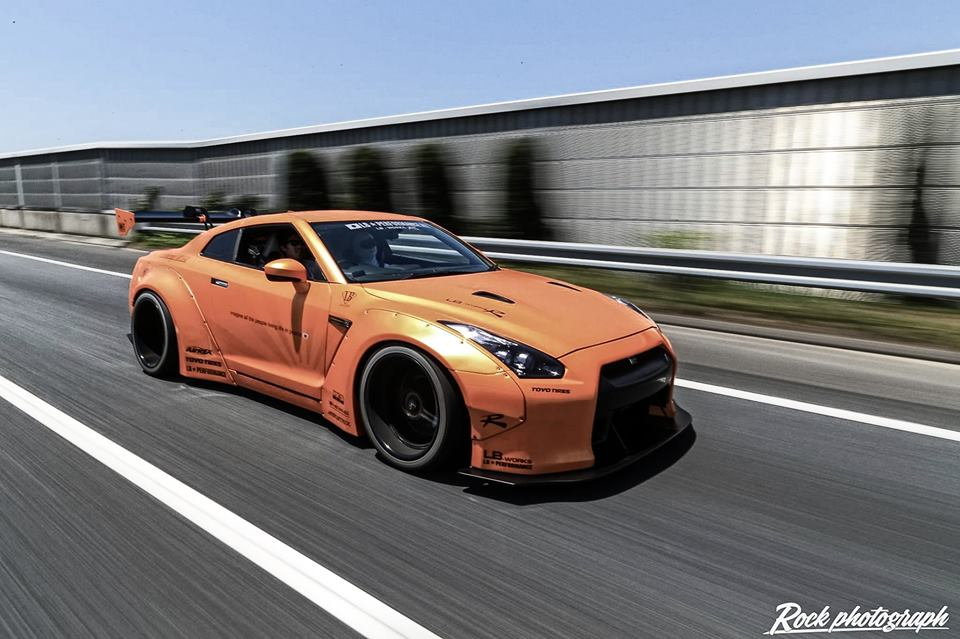 gallery liberty walk nissan gt r multitude. Black Bedroom Furniture Sets. Home Design Ideas