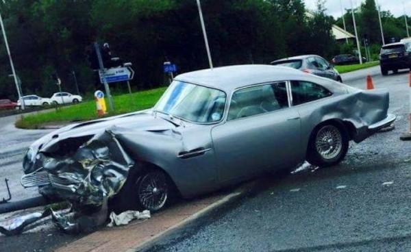 Aston Martin DB5 Wreck-0
