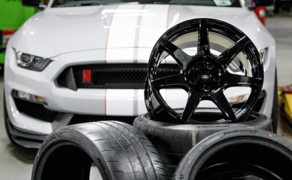Shelby GT350R carbon wheels-1
