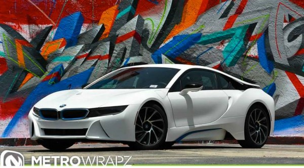 all-white-bmw-i8-00
