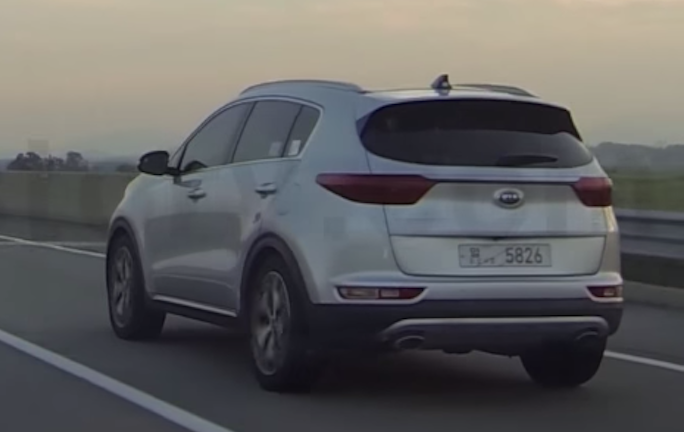 2016 kia sportage spotted on the road. Black Bedroom Furniture Sets. Home Design Ideas