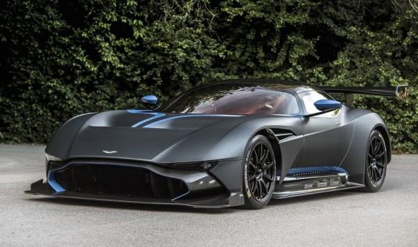 Aston Martin Pebble Beach-0