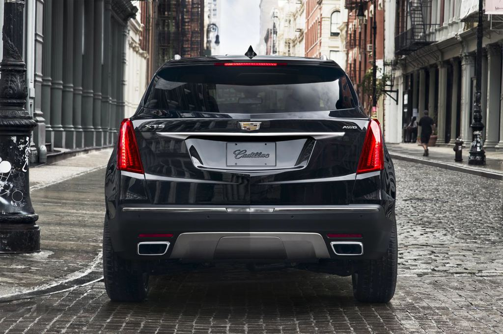 Brilliant First Look 2017 Cadillac XT5