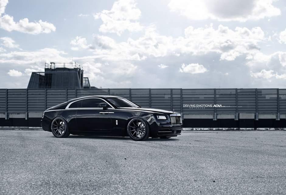 Drake-Rolls-Royce-Wraith-9.jpg