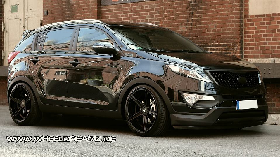 tuningcars tricked out kia sportage by wheeldreamz. Black Bedroom Furniture Sets. Home Design Ideas
