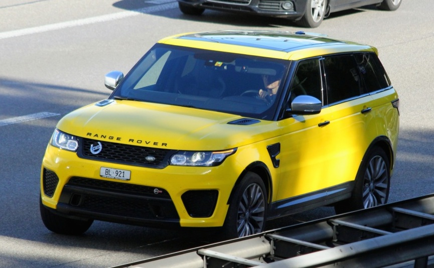 Range Rover Sport Svr Spotted In Yellow