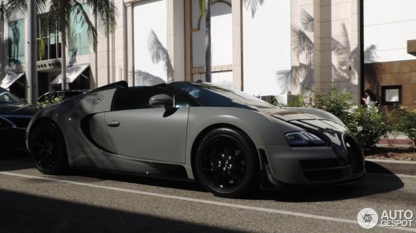 black-grey-Bugatti Veyron-3