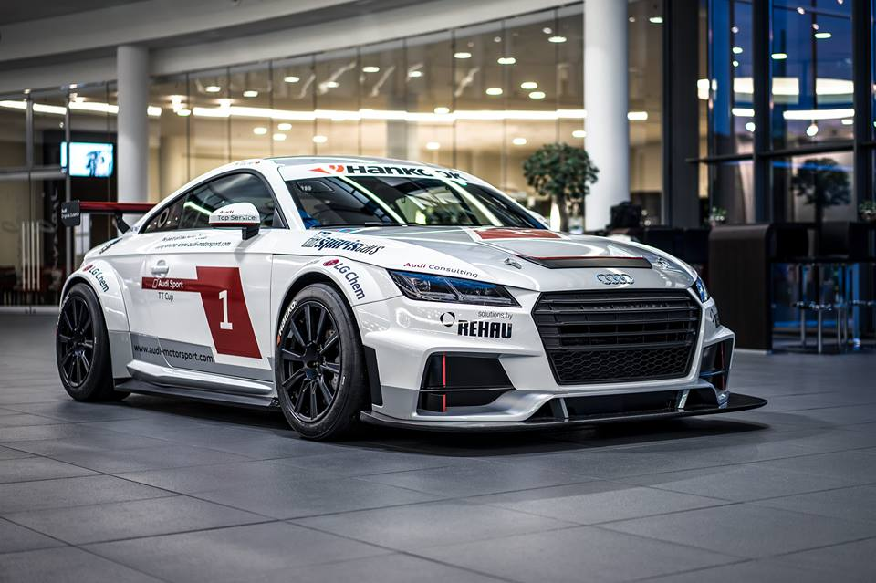 audi tt cup is one dashing race car. Black Bedroom Furniture Sets. Home Design Ideas