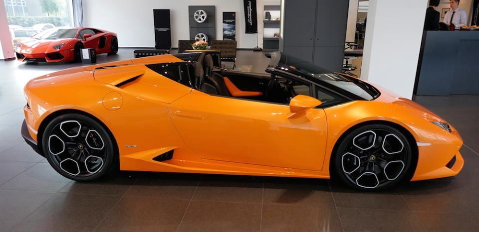 lamborghini huracan spyder looks amazing in orange. Black Bedroom Furniture Sets. Home Design Ideas