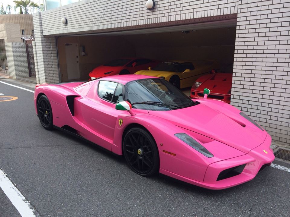 japanese collector has pink ferrari enzo. Black Bedroom Furniture Sets. Home Design Ideas