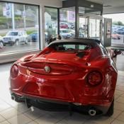 Alfa Romeo 4C Spider Showroom-3