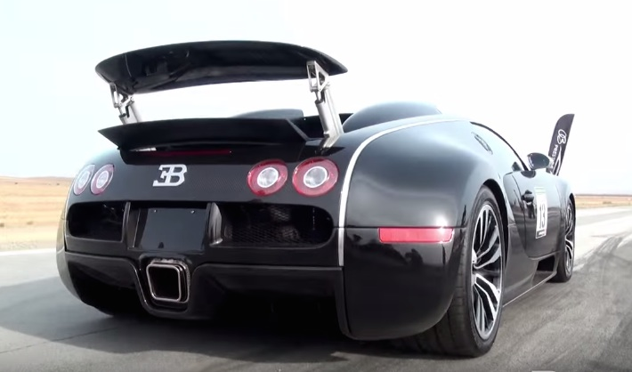 bugatti veyron sang noir does the drag thing. Black Bedroom Furniture Sets. Home Design Ideas