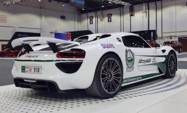 Dubai Police Porsche 918-2