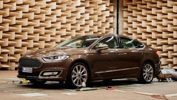Ford Mondeo Noise-Cancelling-0