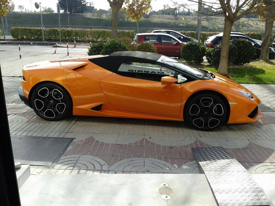 2015 lamborghini huracan the huracan has an electronically controlled 2017. Black Bedroom Furniture Sets. Home Design Ideas