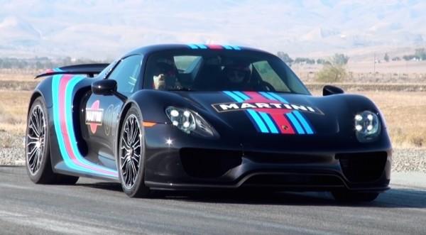 Porsche 918 Martini