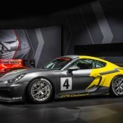 Porsche Cayman GT4 Clubsport-1