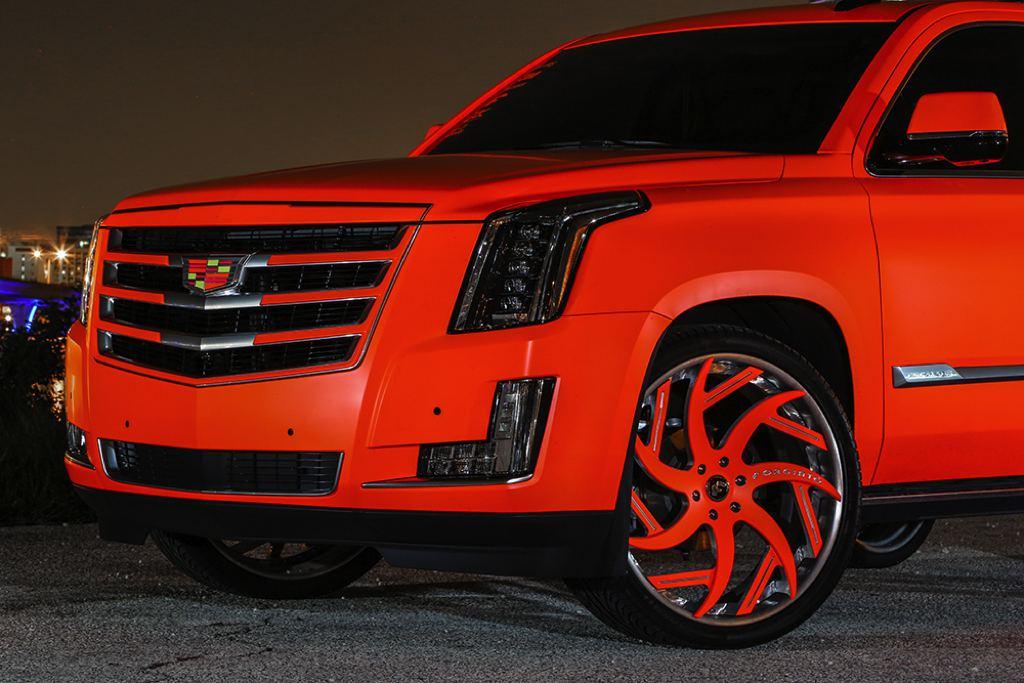 Matte Orange Cadillac Escalade - 100.2KB