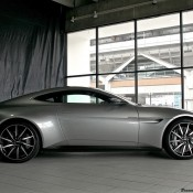 Aston Martin DB10 Virginia-12