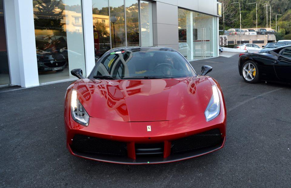Spotlight Rosso Maranello Ferrari 488 Gtb